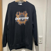 over print/Inferno crewneck pullover