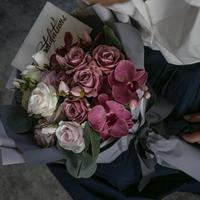 Hand In Hand アーティフィシャル ローズ&ファレノ花束