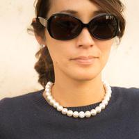 スワロの「ひとつぶクリスタル」が光るコットンパールのネックレス