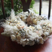 《季節限定》パンパスグラス オフホワイト&スモーキーピンクリース GIFTBOX(直径約18cm)