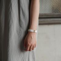 糸ブレスレット 05