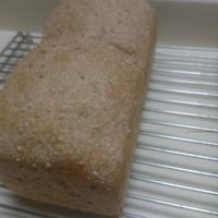 ごはん酵母のえごま食パン