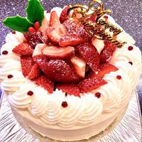 予約開始!【全国発送】生クリームたっぷりな苺のX'masデコレーション 6号 18cm クリスマスケーキ2021