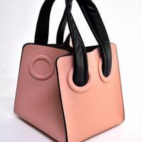 素敵なマダムに■トレンドのキューブスタイルバッグ
