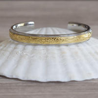 no.17 gold line Hawaiian bangle
