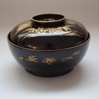 佐渡の松竹梅の金蒔絵・黒漆吸物碗