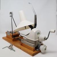 N027【USED】ねじりっこ 卓上糸撚り機 手動玉巻機