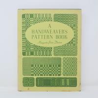 【古本】B2_24  Handweaver's Pattern Book / Marguerite Porter Davison