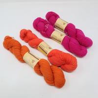 【糸】E015 ウール糸 ておりや/TEORIYA オリジナルタピーウール 3色4本セット
