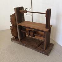 【D078【USED】 座繰り機 糸枠巻 木製 はやまい 繭 糸とり
