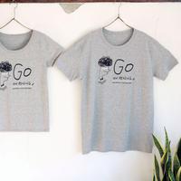 GO ON READING Tシャツ