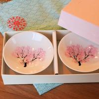 【桜が満開に♪】 冷感転写 白平盃 大 ペアセット(ギフト用)/ 丸モ高木陶器