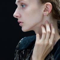 Saskia Diez / BOLD EARCUFF NO3 /Gold