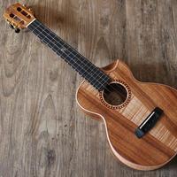 ◇Sinye ukulele 美木目!AAAA級メイプル&アカシア材 テナーウクレレ 高級ケース付き カッタウェイ スロテッドヘッド◇