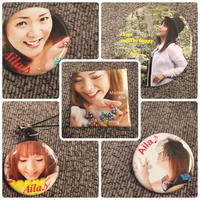 Aila 缶バッチ、携帯ストラップ SET 2000円