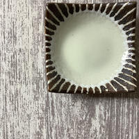 マカロンシリーズ 3寸正方皿 クリーム 3