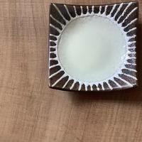 マカロンシリーズ 3寸正方皿 クリーム 2