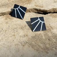 Sunny Motif Onyx silver pierce