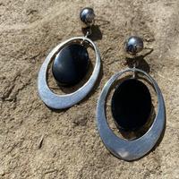 Swinging Onyx Oval silver pierce