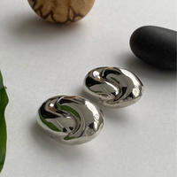 Solid Oval Earring