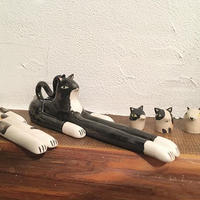 Laura Bird Full Cat Figure in Black
