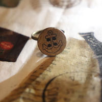 木のボタンリング(指輪)