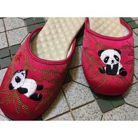 【香港☆slipper】Made in Hong Kong  /  「先達商店」のパンダ刺繍のスリッパ