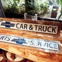 エンボスメタルサイン CHEVROLET CAR&TRACK/PARTS SERVICE