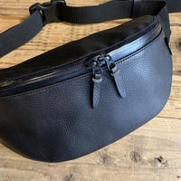 YONZY/ITALIAN SHOULDER BODY BAG_BLACK