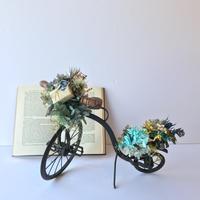 贈り物を届ける自転車オブジェ [A]