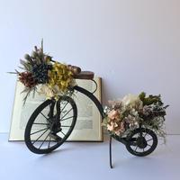 贈り物を届ける自転車オブジェ [B]