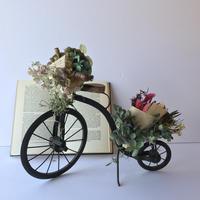 贈り物を届ける自転車オブジェ [D]