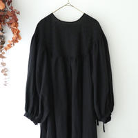 the last flower of the afternoon ザ ラスト フラワー オブ ジ アフタヌーン   零れた光 embroidery round yoke dress   ブラック