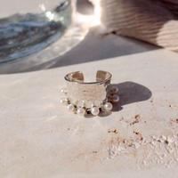 Spoon pearl ring