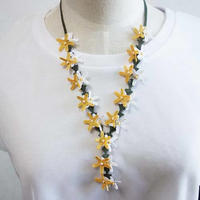 oya-neck21★イーネオヤ シルク糸で編む可憐なレース アクセサリー  (ルピナスの花 黄色と白)
