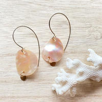 14KGF Orange Pink Shell & Gold Disk Hook Earrings