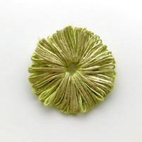 HIKARI 小粒ブローチ /  leaf green