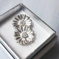 ガーベラのピアス Silver925 CZ ガーベラ好きさんへ贈る味わいシルバーアクセサリー花言葉「希望」「前向き」11月誕生花