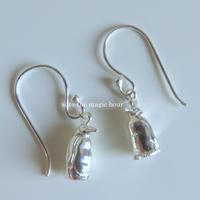 皇帝ペンギンの揺れるピアス ペンギン大好き ボリューミーピアス penguin pierced earrings