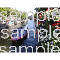 アムステルダムの運河の遊覧船 canal tour boat in Amsterdam  デジタル写真データ digital photo data
