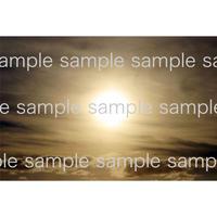 雲の上の太陽   デジタル写真データ digital photo data