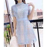 ブルーレースドレス