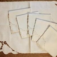 table cloth and napkins set