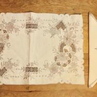 mat and napkin set A