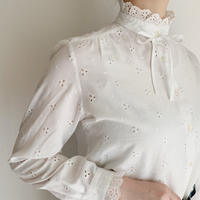 - 70's Euro Vintage Cutwork Lace Blouse With Ribbon