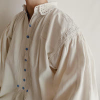 40's - 50's Euro Vintage Folk Linen and Cotton Blend Blouse