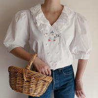 Euro Vintage Flower Embroidery Heart Buttons Blouse