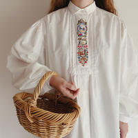 Euro Vintage Folk Design Volume Sleeve Blouse