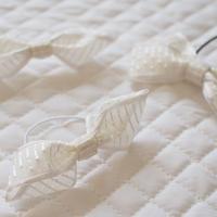 白色刺繍のフレンチリボンヘアゴム