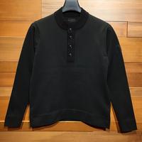 MOCO [ 21-1202910 ] ウーリーポリエステル【ハイネック前釦PO】 - ブラック(19)